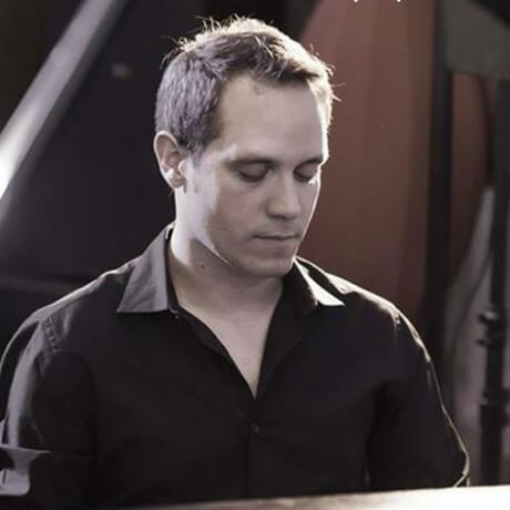 Alejandro Ayuso (Piano / Bass)
