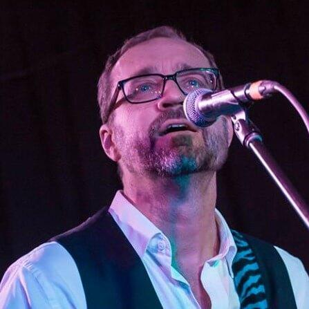 Michael Dwyer (voice, tenor ukulele)